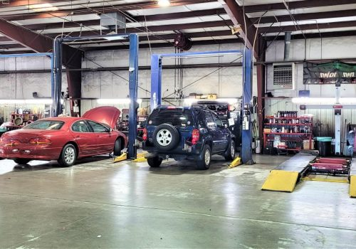 automobile-mechanics-vehicles-in-the-auto-garage-for-repairs-and-service-at-the-local-automobile_t20_wLW3AV